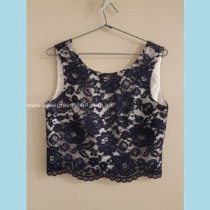 Review size 8 Cropped Lace Top